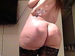 Busty mollig Teenager twerks Masturbation - eher bei voayercams
