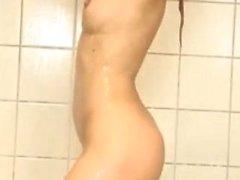 Reizendes Blonde Masterbates im Shower.flv