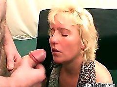 Frapper des robinet chaud et ejaculations la pulvérisation
