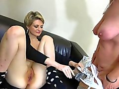 OldNanny par lesbiano loca madurez aprenden masturbate atractiva joven