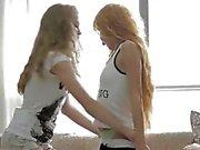 Jugend die Gnade pissen 2 girls stechen 1 Mann sehr heiß!