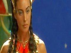 Monica Monica Bellucci - Astérix et Obélix