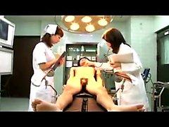 Oryantal adam bir doktor ve bir hemşire ellerini o çalışma
