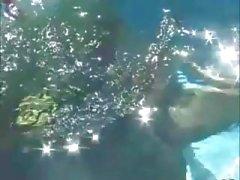 Sandy Underwater Kolmikko
