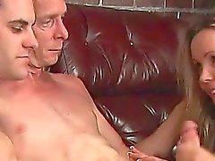 Teen çift ile bir Biseksüel MMF Dede