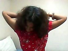 joven que y la gallardo Indian girl