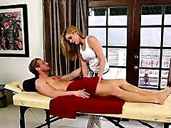 Erstaunlichen Schönheiten am besonderen Massageliege