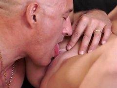 Daddy Spiel und alter Mann Flotter Dreier zwei Mädchen Geile Blondine