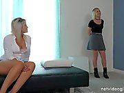 Casting Threesome with hot blondes (HUUU)