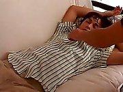 atractivas de los hombres Tony ha estado rompiendo en mis sofa desde su LM lanzó