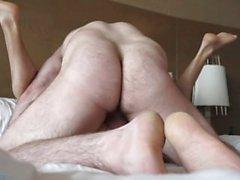 волосатый мышечная отцом трахается мальчика
