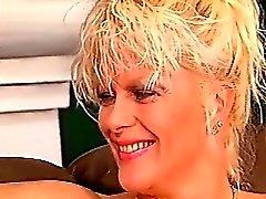 Natural alemana adolescente de retro del tiras de exterior desnudo