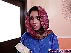 Busty muslimi teini kermamuhennettua