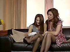 Highheeled mature lesbo