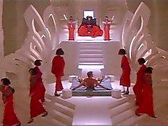 Fauve Kitaen nue dans Gwendoline clip 2