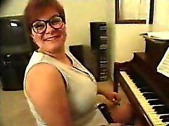 Professeur de piano apprend!