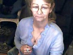 Gözlük 3 güzel anneanne