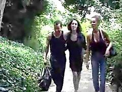 Threeones Frenchs i Offentlig Sex parken