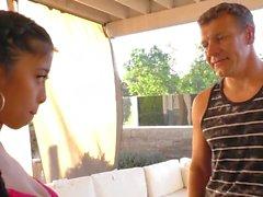 Jade asiática pigtail fode em vídeo para BF