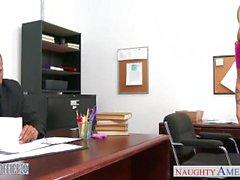 Enastående blondinen Karla Kush knullar i office