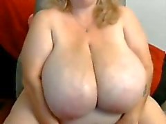 Huge tit bbw mature on cam