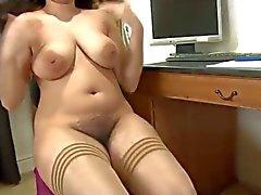 schönen behaarte pakistanisch Finger ihre haarige Pussy , große Titten