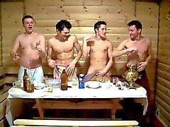 De Jung in der Sauna 2 de - Sauna Boys 2