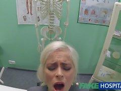 Fake Hospital Büyük göğüslü Hot Italian bebek