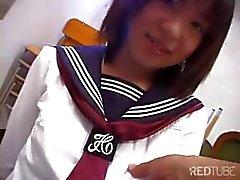 Japanilainen koulutyttö mukava tissit syö kukko, saa toyed ja nussii
