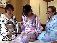 CME - 002 Iäkkäämpi Three Leslie matkailusta kaupungissa Hyogo Asago Hen