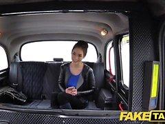 Fake taksi Venäjän karvainen pussy luonnollinen tissit