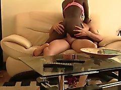 Busty африканского происхождения любит шлюха белой петух в ее крохотной влагалище
