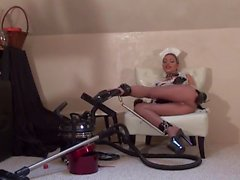 Wacky Maid In Vinile E Pantyhose Puro