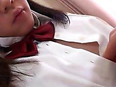 Teen geht zur Schule auf dem feuchten Muffe Fickerei mit Spielwaren
