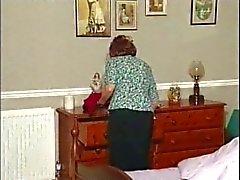 Granny ensam 4