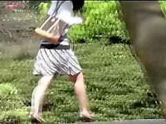 Asyali genç parkbench Çiş