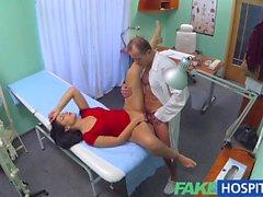 FakeHospital Sıcak hastaya bir horoz verilen