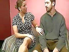 Stepmom Soins étudiante Guys Cumswollen Boules