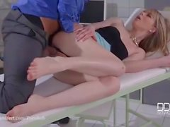 Doktorun Footjob Emirleri - Ayak Fucking The Pain Away