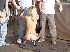 Heißer group- sex in der Garage