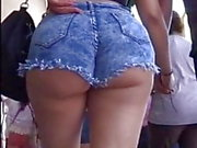 Pawg in short shorts walking on the street