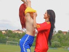 Melisa & Ariel: soccer babes