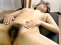 Hairy amatör studenten med massage