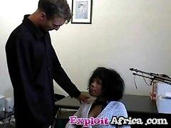 Hyväksikäytettyjen Afrikkalainen Tummaihoinen Interracial Vitut karvainen pillua