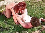 Rasvasta mummi rakastaa boy ulkoilu