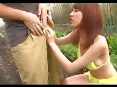 Bikinisi Onun Göğüsler Alma buna ilaveten Asya Kızı Glasshouse ayında The Shy Guy Satılık verilmesi Handjob Pürüzsüzlük