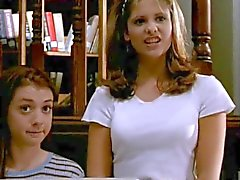 De sarah Michelle Gellar jeunes de Buffy Mmm