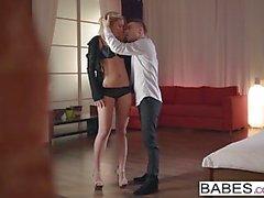 Babes - Nikolas und Jessi Gold - straff und zart