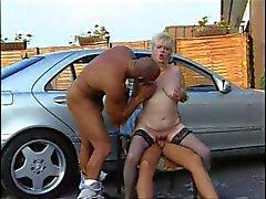 Aikuinen - Saksan Classy Isoäidit Im Auto Vernascht