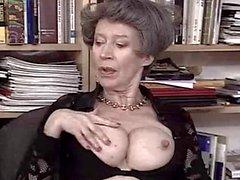 Tyska Granny älskar Fist och Cum från TROC